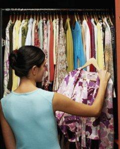 Woman-ChoosingClothes